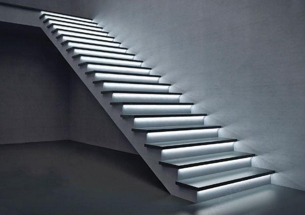 Бетонная лестница с автоматической подсветкой
