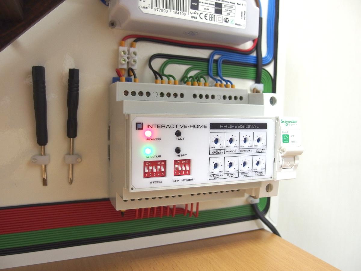 Установка автоматической подсветки лестницы своими руками